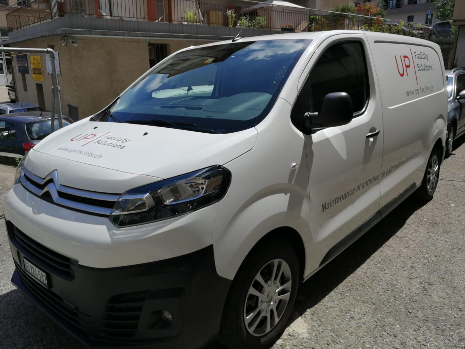 Flocage utilitaire, sticker côtés et arrière véhicule entreprise (3)