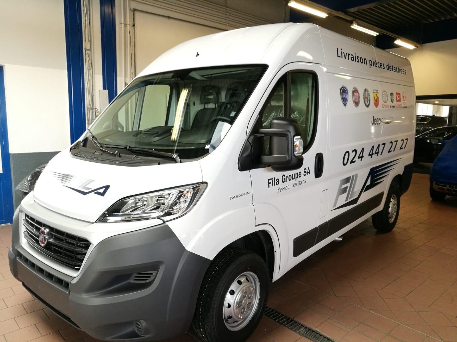Publicité adhésive sur véhicule utilitaire à Yverdon (3)