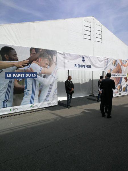 Baches xxl impression pose lausanne sport vaud suisse realisations publicitaires (4)